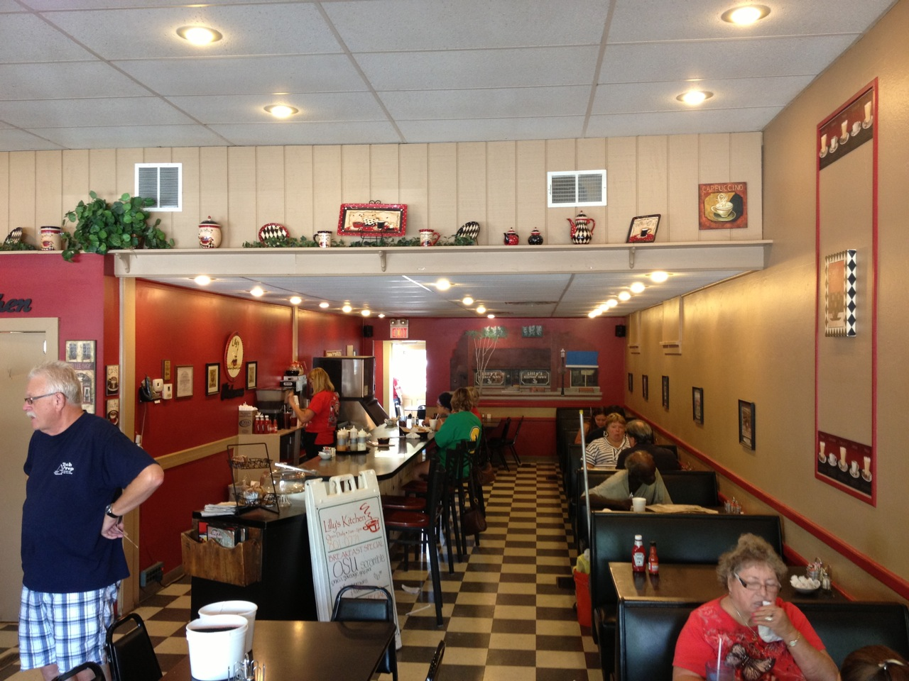 lillys kitchen table grove city oh kitchen table restaurant Readers have been suggesting Lilly s Kitchen Table in downtown Grove City for a couple years now and I m happy to say we finally made good on it